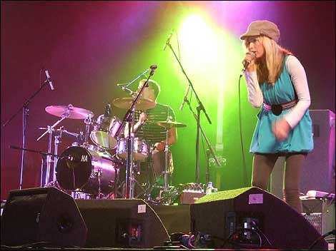 The Ting Tings en escena